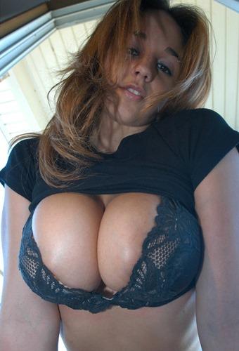 next_door_nikki_revealing_her_big_beautiful_natural_tits